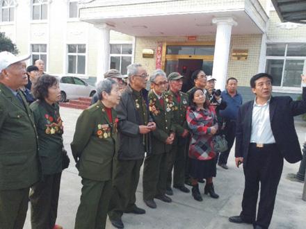 抗美援朝英模团一行参加第六届华佗文化节